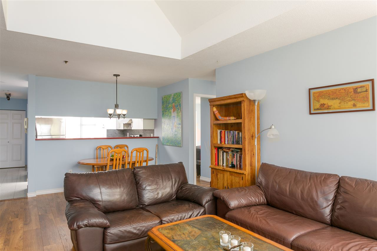 "Photo 4: PH1 8728 SW MARINE Drive in Vancouver: Marpole Condo for sale in ""RIVERVIEW COURT"" (Vancouver West)  : MLS® # R2186634"
