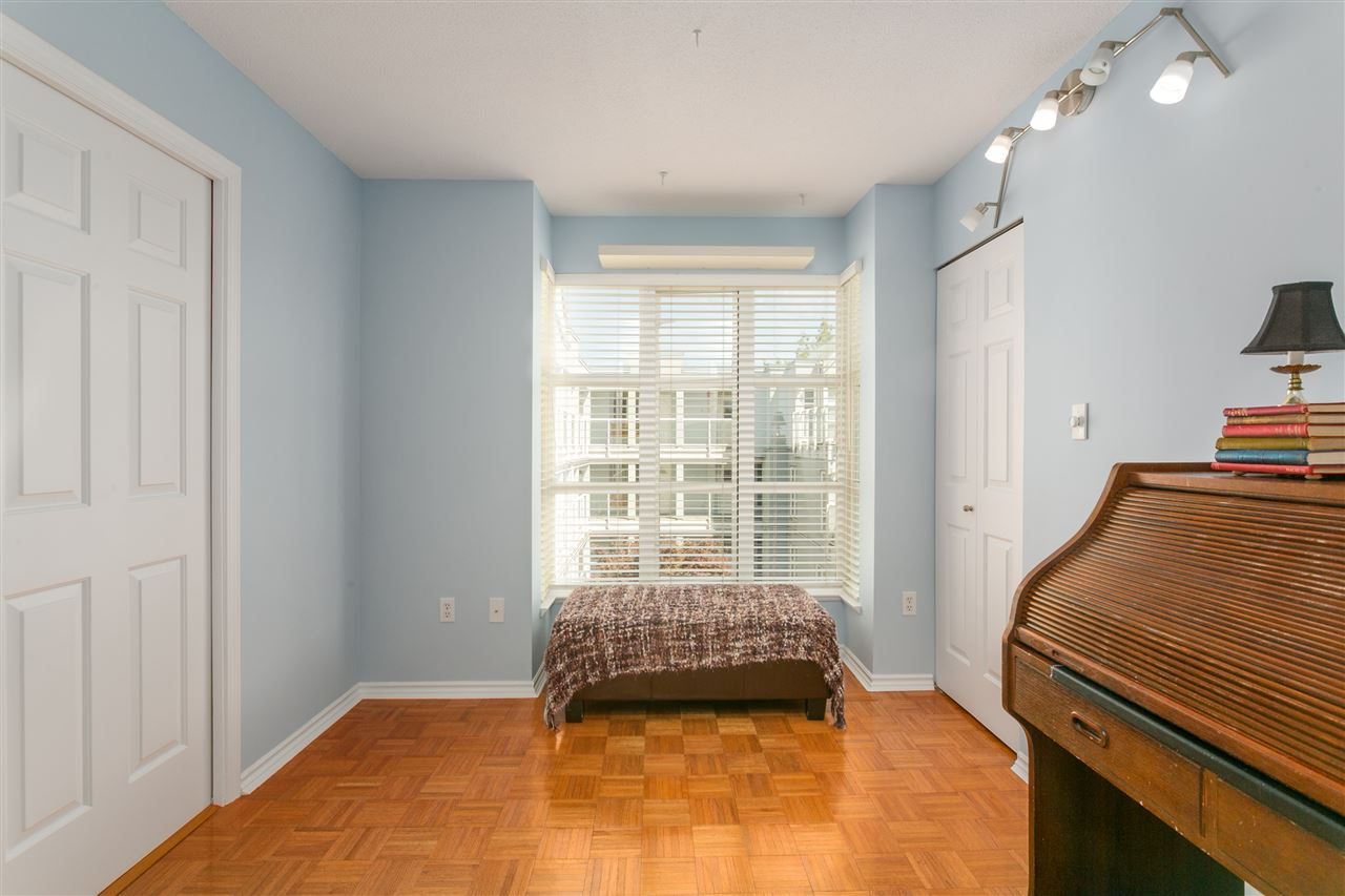 "Photo 15: PH1 8728 SW MARINE Drive in Vancouver: Marpole Condo for sale in ""RIVERVIEW COURT"" (Vancouver West)  : MLS® # R2186634"