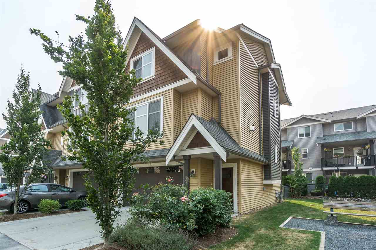"Main Photo: 13 7428 EVANS Road in Sardis: Sardis West Vedder Rd Townhouse for sale in ""Countryside Estates"" : MLS®# R2195002"