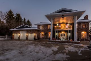 Main Photo: 75 Estate Way in Rural Sturgeon County: St. Albert House for sale
