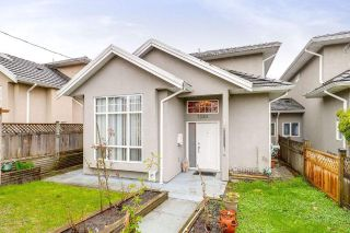 Main Photo: 7330 14TH Avenue in Burnaby: Edmonds BE House 1/2 Duplex for sale (Burnaby East)  : MLS®# R2257150