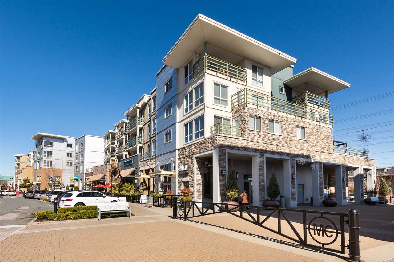 FEATURED LISTING: 306 - 15775 CROYDON Drive Surrey
