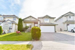 Main Photo: 8215 158 Street in Surrey: Fleetwood Tynehead House for sale : MLS®# R2305622