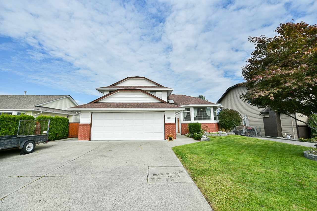 FEATURED LISTING: 22081 126 Avenue Maple Ridge