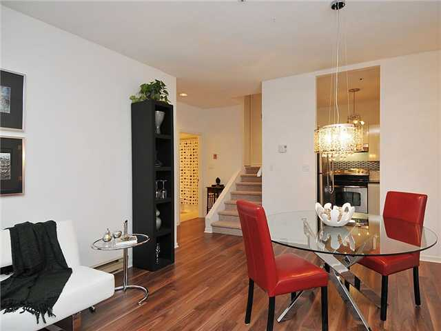 Photo 3: 102 3680 RAE Avenue in Vancouver: Collingwood VE Condo for sale (Vancouver East)  : MLS(r) # V882312