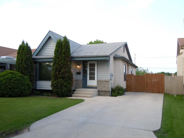 Main Photo: 106 Sauve Crescent in WINNIPEG: St Vital Residential for sale (South East Winnipeg)  : MLS® # 1111918