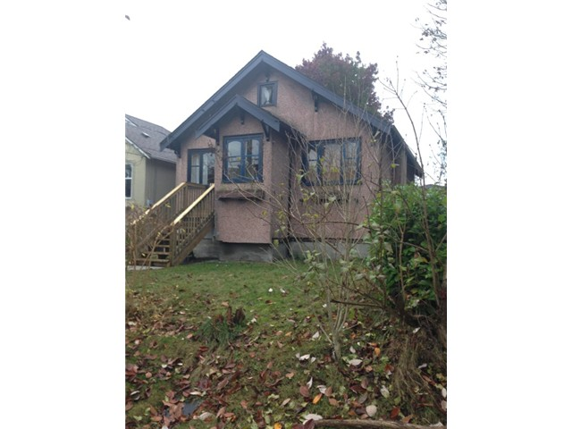 Photo 1: 1107 HAMILTON Street in New Westminster: Moody Park House for sale : MLS(r) # V1002274