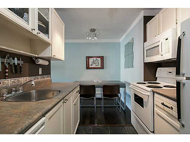 Photo 8: 303 131 W 4TH Street in North Vancouver: Lower Lonsdale Condo for sale : MLS(r) # V1038267