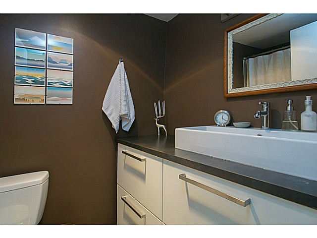 Photo 12: 303 131 W 4TH Street in North Vancouver: Lower Lonsdale Condo for sale : MLS(r) # V1038267