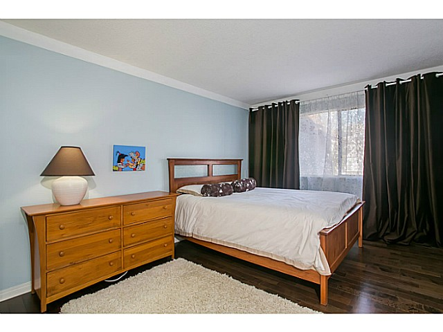 Photo 10: 303 131 W 4TH Street in North Vancouver: Lower Lonsdale Condo for sale : MLS(r) # V1038267