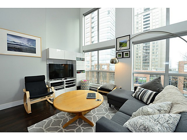 "Photo 2: 318 933 SEYMOUR Street in Vancouver: Downtown VW Condo for sale in ""THE SPOT"" (Vancouver West)  : MLS(r) # V1043442"