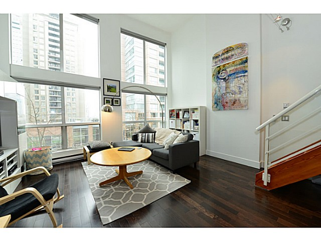 "Photo 3: 318 933 SEYMOUR Street in Vancouver: Downtown VW Condo for sale in ""THE SPOT"" (Vancouver West)  : MLS(r) # V1043442"