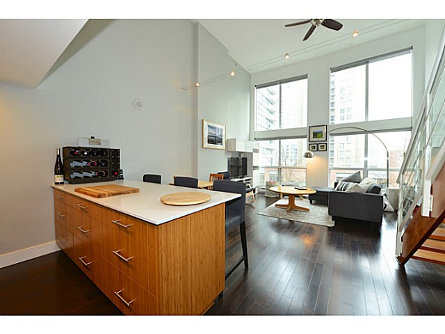 "Photo 6: 318 933 SEYMOUR Street in Vancouver: Downtown VW Condo for sale in ""THE SPOT"" (Vancouver West)  : MLS(r) # V1043442"