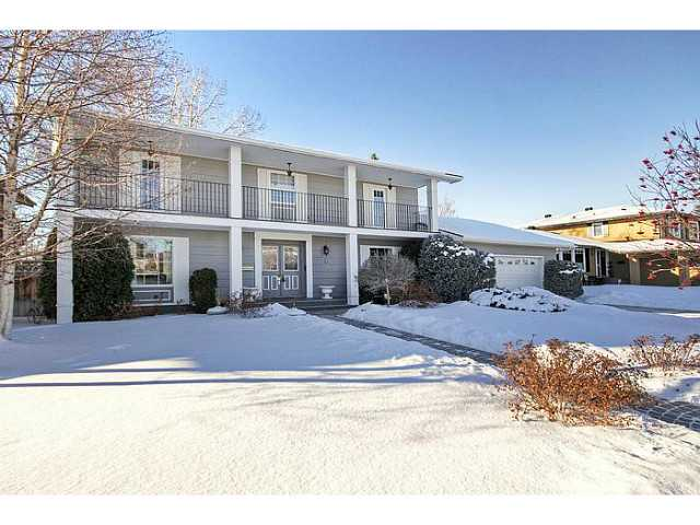 Welcome to 426 Lake Simcoe Cresent  in prestigious Lake Bonavista Estates.  More photo's here. http://www.obeo.com/962624