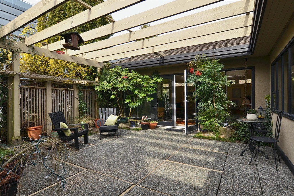 Photo 15: 4050 W 36TH Avenue in Vancouver: Dunbar House for sale (Vancouver West)  : MLS® # V1109327