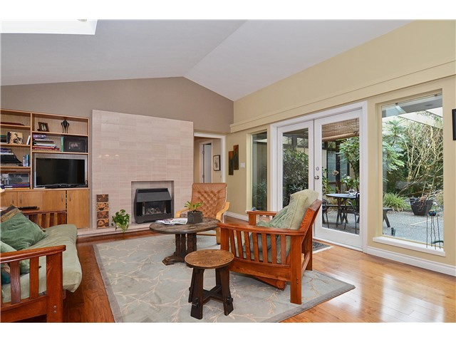 Photo 17: 4050 W 36TH Avenue in Vancouver: Dunbar House for sale (Vancouver West)  : MLS® # V1109327