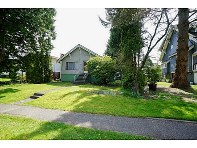 Photo 2: 4568 W 8TH Avenue in Vancouver: Point Grey House for sale (Vancouver West)  : MLS® # V1117808