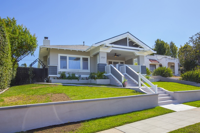 Main Photo: SAN DIEGO House for sale : 4 bedrooms : 2727 Broadway