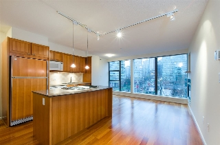 "Main Photo: 608 1723 ALBERNI Street in Vancouver: West End VW Condo for sale in ""The Park"" (Vancouver West)  : MLS® # R2015655"