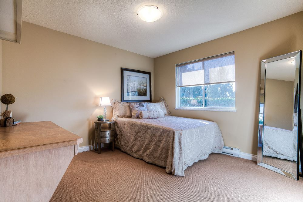 Photo 10: 20418 POWELL Avenue in Maple Ridge: Northwest Maple Ridge House for sale : MLS(r) # R2033474