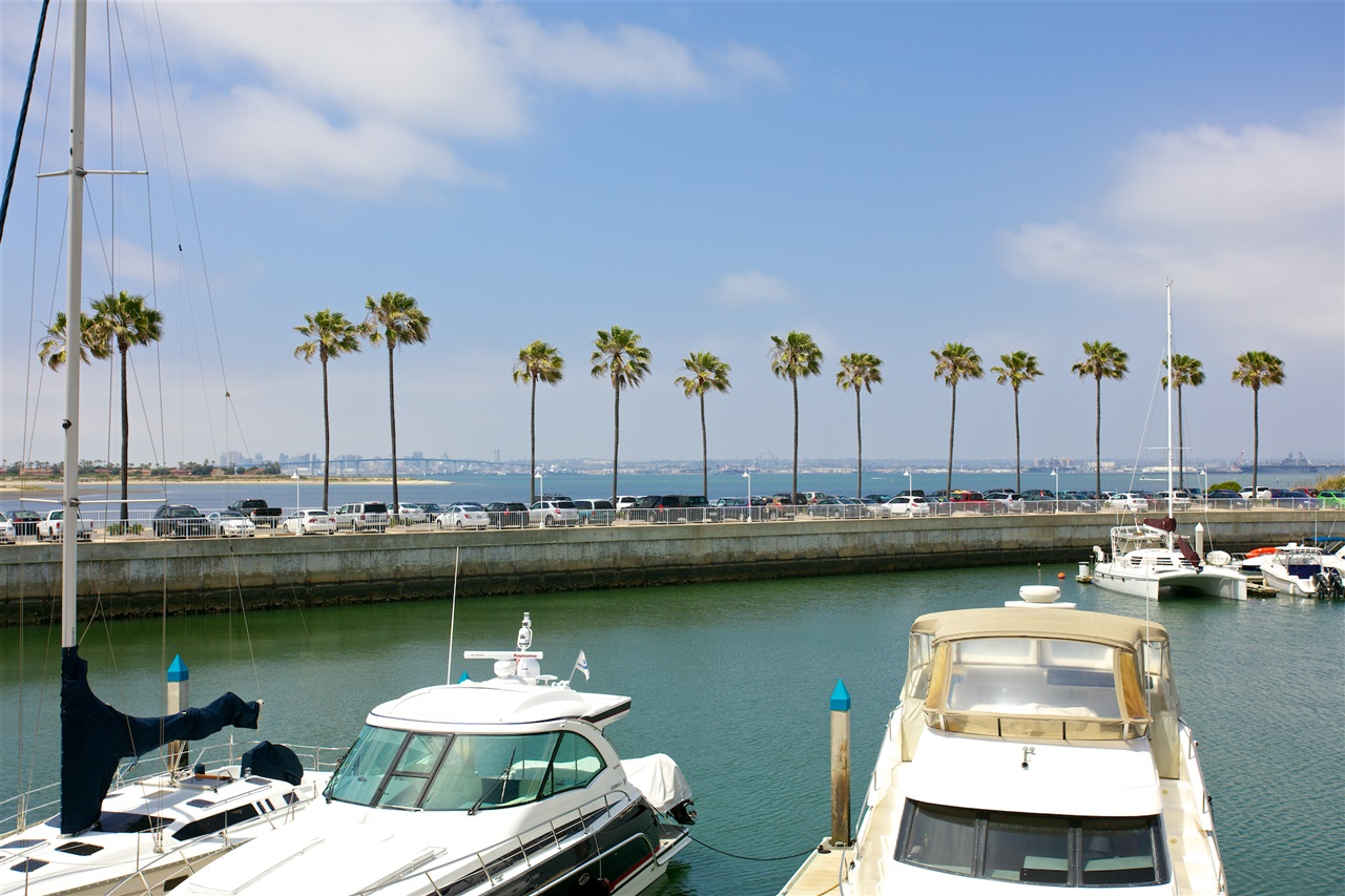 Main Photo: CORONADO CAYS Condo for sale : 2 bedrooms : 56 Montego Court in Coronado