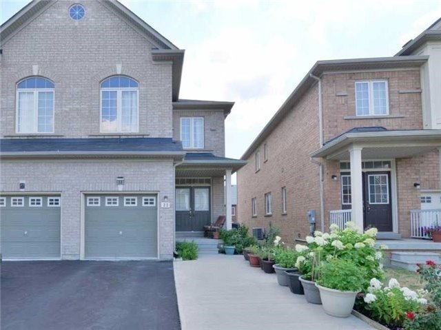 Main Photo: 33 Portrush Trail in Brampton: Credit Valley House (2-Storey) for lease : MLS® # W3634156