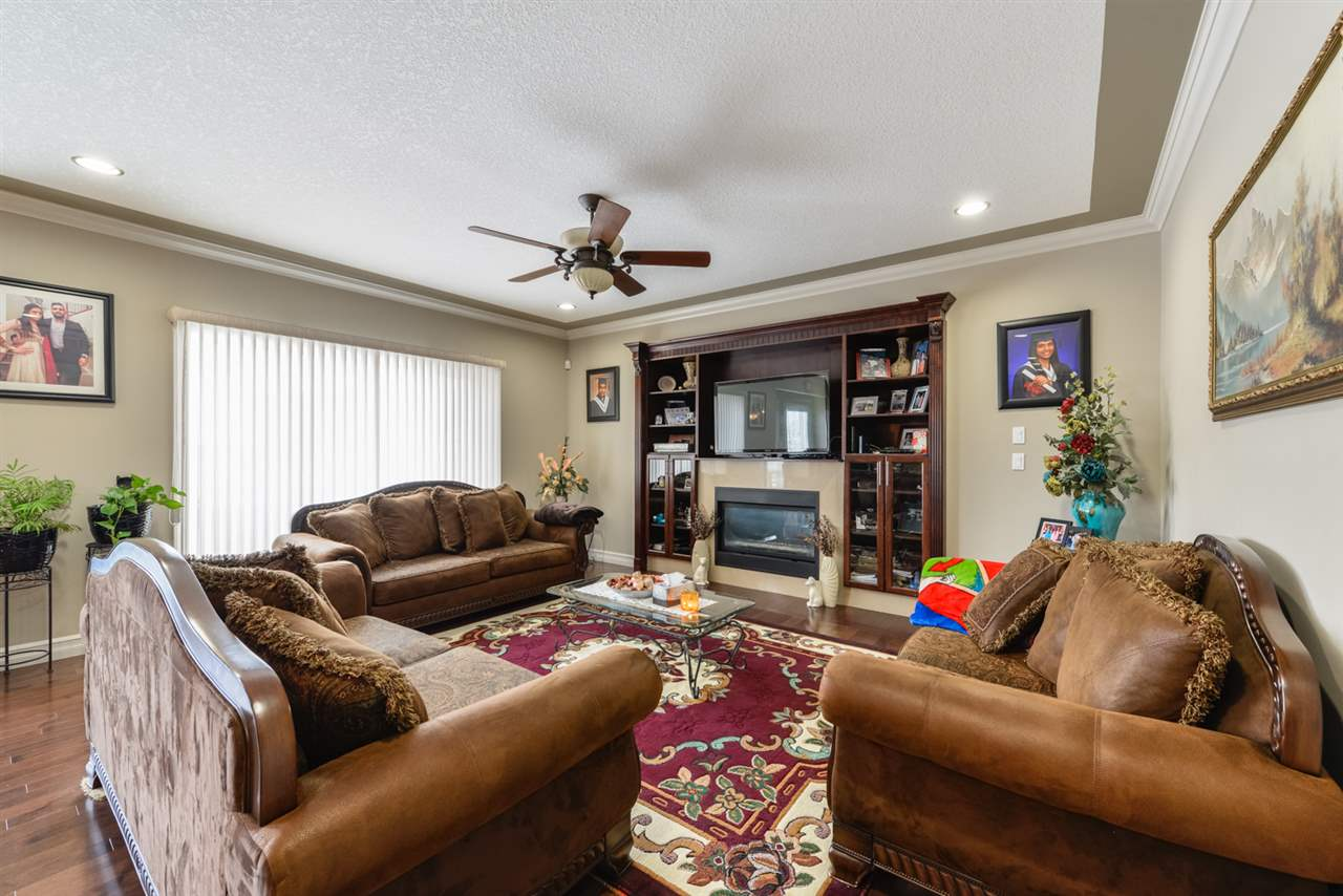 Photo 10: 1008 CANDLE Crescent: Sherwood Park House for sale : MLS(r) # E4059477