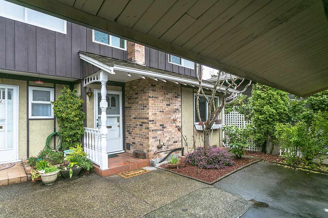 "Main Photo: 1008 555 W 28TH Street in North Vancouver: Upper Lonsdale Townhouse for sale in ""CEDARBROOKE"" : MLS(r) # R2156319"