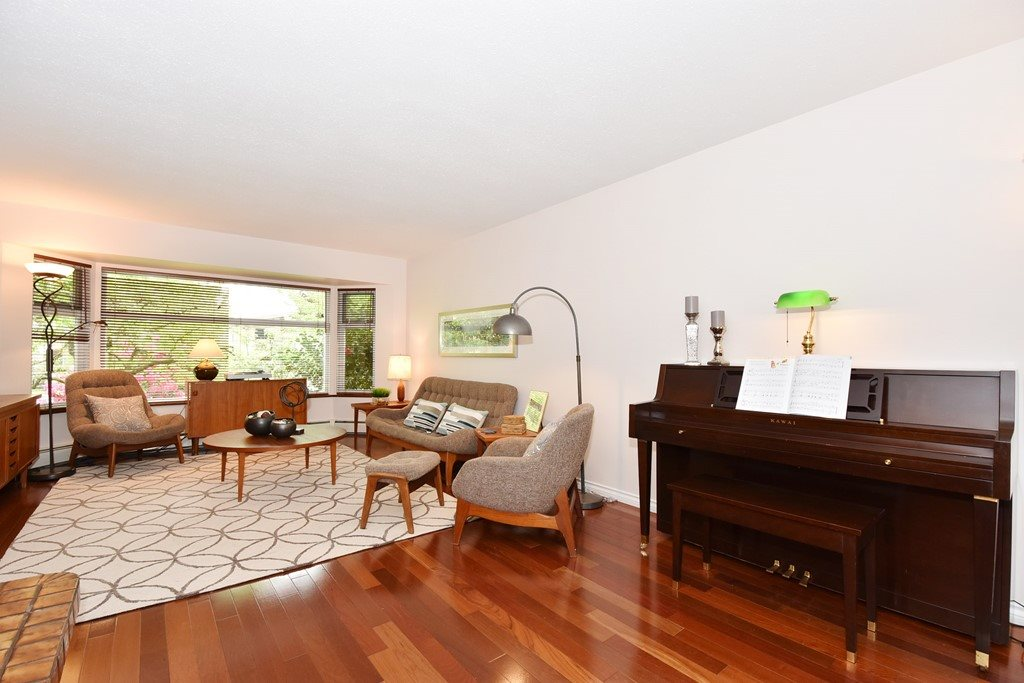 "Photo 4: 420 E 45TH Avenue in Vancouver: Fraser VE House for sale in ""MAIN/FRASER"" (Vancouver East)  : MLS® # R2168295"