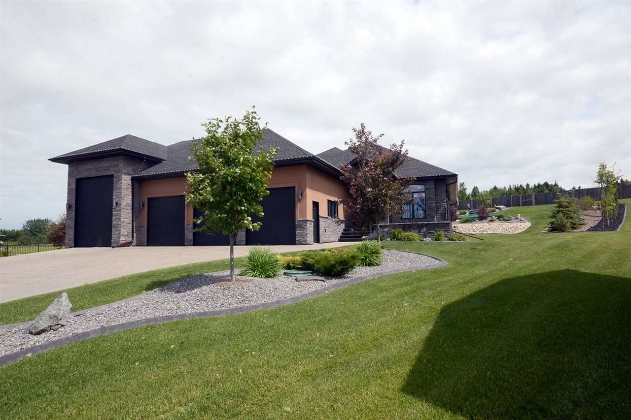Main Photo: 37 Rivers Edge Place: Rural Sturgeon County House for sale : MLS(r) # E4071187
