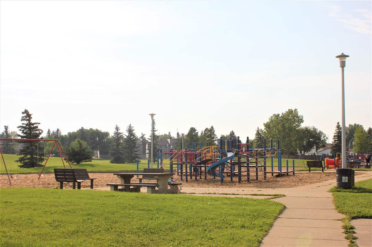 Within walking distance to the playground, spray park, soccer & football fields, toboggan hill, ice rink and so much more.