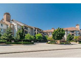 Main Photo: 424 8915 202 Street in Langley: Walnut Grove Condo for sale : MLS® # R2215824