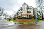 "Main Photo: 409 12 K DE K Court in New Westminster: Quay Condo for sale in ""DOCKSIDE"" : MLS® # R2246385"