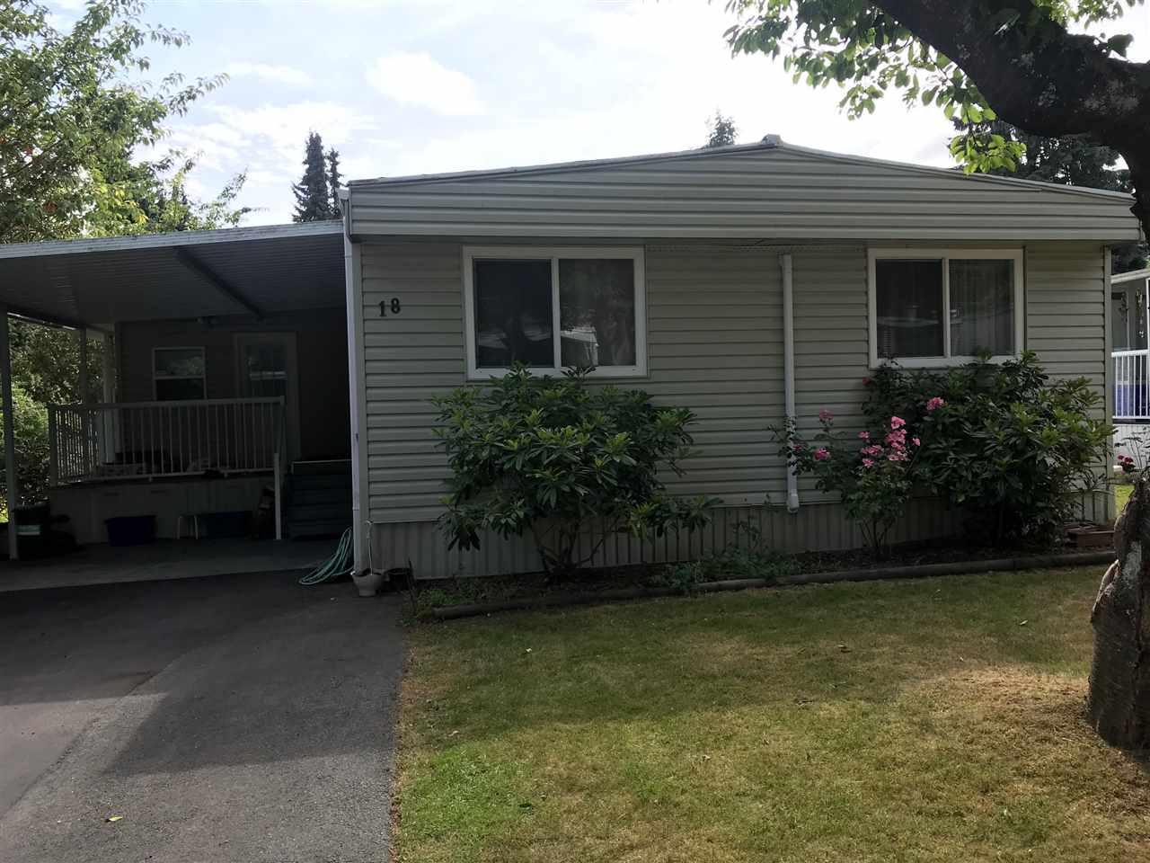 "Main Photo: 18 7790 KING GEORGE Boulevard in Surrey: East Newton Manufactured Home for sale in ""CRISPEN BAYS"" : MLS®# R2283513"