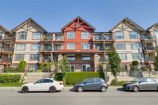 "Main Photo: 205 19939 55A Avenue in Langley: Langley City Condo for sale in ""MADISON CROSSING"" : MLS®# R2303744"