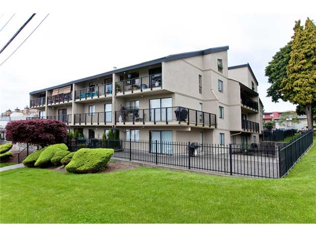 "Main Photo: 310 803 QUEENS Avenue in New Westminster: Uptown NW Condo for sale in ""Sundayle Manor"" : MLS(r) # V893786"
