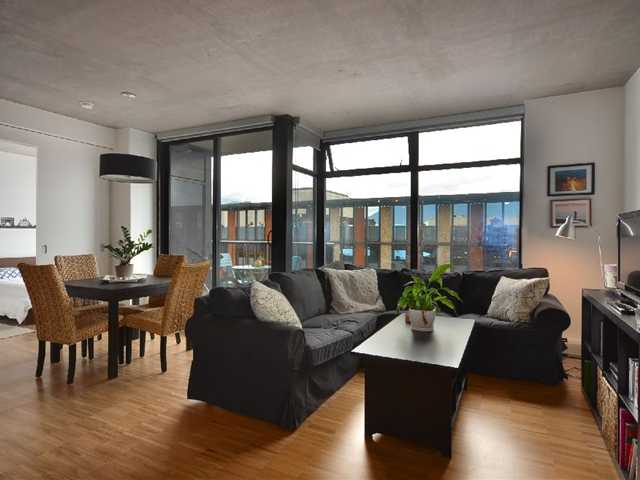 "Photo 2: 801 128 W CORDOVA Street in Vancouver: Downtown VW Condo for sale in ""WOODWARDS"" (Vancouver West)  : MLS® # V899216"