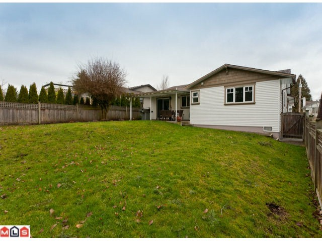 Photo 2: 15690 GOGGS Avenue: White Rock House for sale (South Surrey White Rock)  : MLS(r) # F1209906