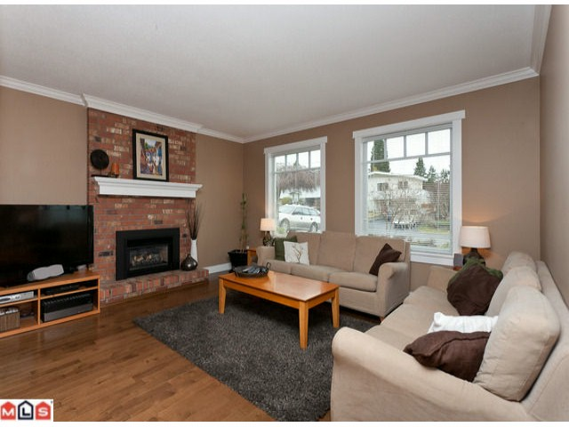 Photo 6: 15690 GOGGS Avenue: White Rock House for sale (South Surrey White Rock)  : MLS(r) # F1209906