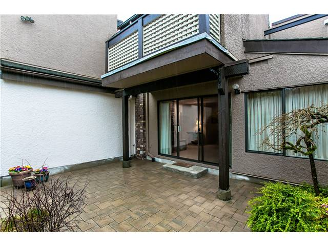 Photo 10: Photos: 2054 MARINE DR in West Vancouver: Ambleside Townhouse for sale : MLS® # V1012823