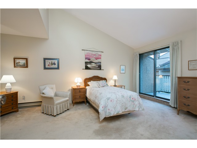 Photo 7: Photos: 2054 MARINE DR in West Vancouver: Ambleside Townhouse for sale : MLS® # V1012823