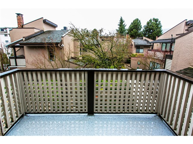 Photo 9: Photos: 2054 MARINE DR in West Vancouver: Ambleside Townhouse for sale : MLS® # V1012823