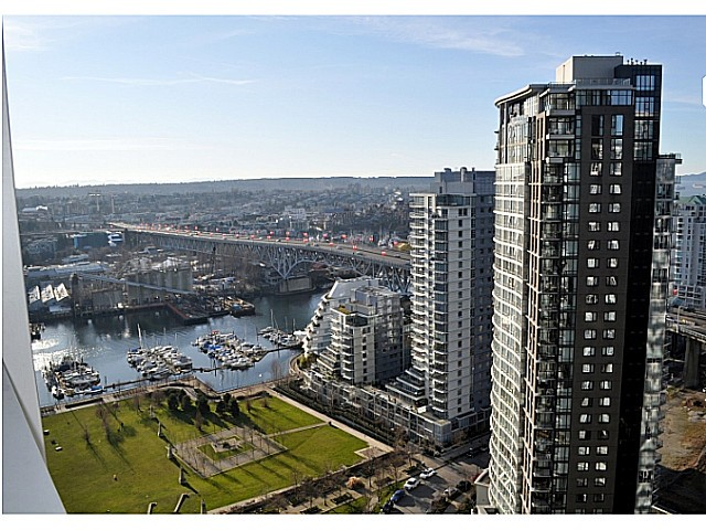 "Main Photo: 3205 1438 RICHARDS Street in Vancouver: Yaletown Condo for sale in ""AZURA ONE"" (Vancouver West)  : MLS®# V1043223"