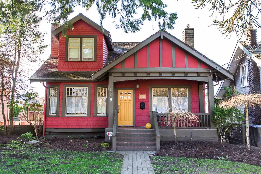 "Main Photo: 113 FIFTH Avenue in New Westminster: Queens Park House for sale in ""QUEEN'S PARK"" : MLS® # R2051360"