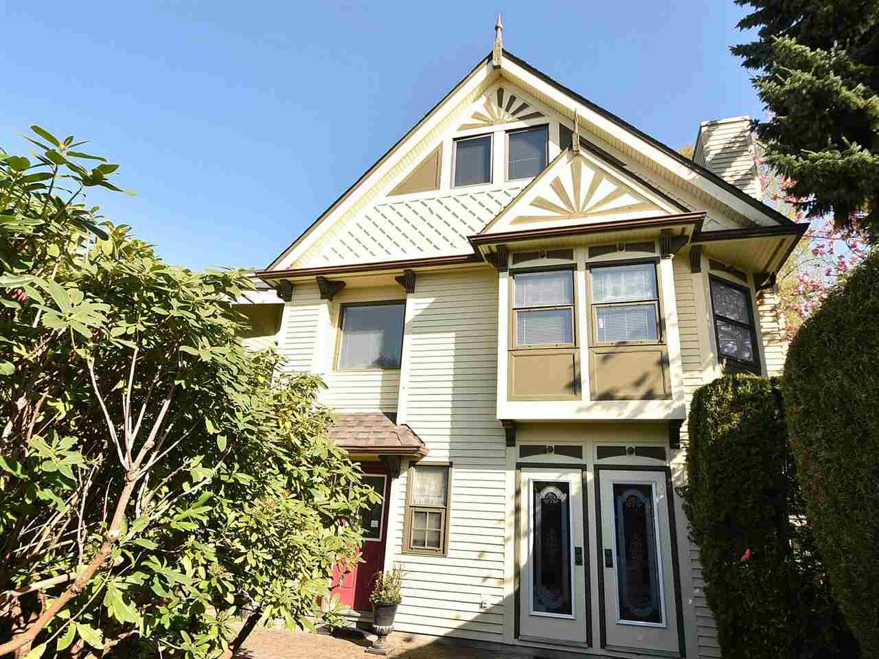 Main Photo: 3203 W 3RD Avenue in Vancouver: Kitsilano House 1/2 Duplex for sale (Vancouver West)  : MLS® # R2053036