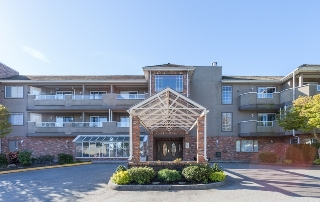 "Main Photo: 204 2239 152 Street in Surrey: Sunnyside Park Surrey Condo for sale in ""Semiahmoo Estates"" (South Surrey White Rock)  : MLS(r) # R2065495"