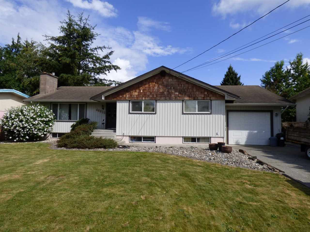 "Main Photo: 46035 AVALON Avenue in Chilliwack: Fairfield Island House for sale in ""FAIRFIELD ISLAND"" : MLS® # R2099189"