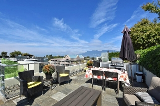 "Main Photo: 702 2528 MAPLE Street in Vancouver: Kitsilano Condo for sale in ""The Pulse"" (Vancouver West)  : MLS(r) # R2104104"
