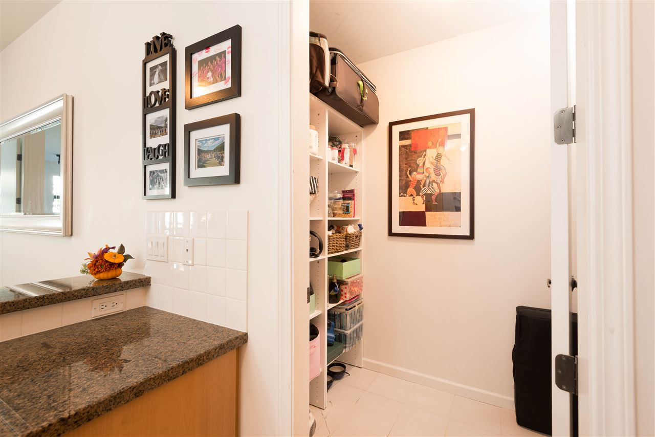 "Photo 10: 207 2065 W 12TH Avenue in Vancouver: Kitsilano Condo for sale in ""THE SYDNEY"" (Vancouver West)  : MLS(r) # R2116214"