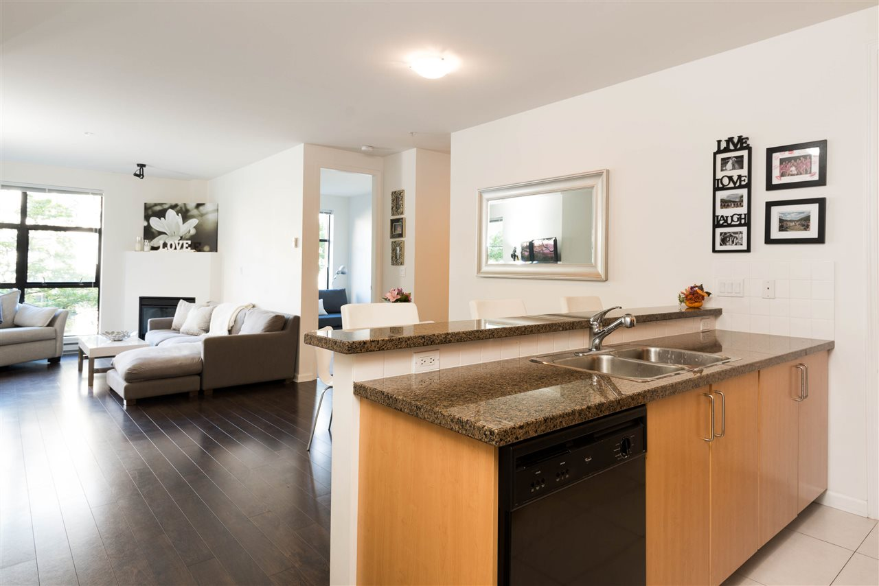 "Photo 9: 207 2065 W 12TH Avenue in Vancouver: Kitsilano Condo for sale in ""THE SYDNEY"" (Vancouver West)  : MLS(r) # R2116214"